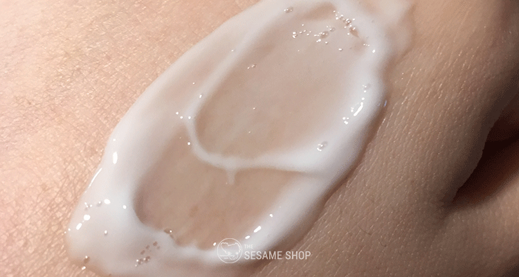 Real Barrier Cream Cleansing Foam - Texture